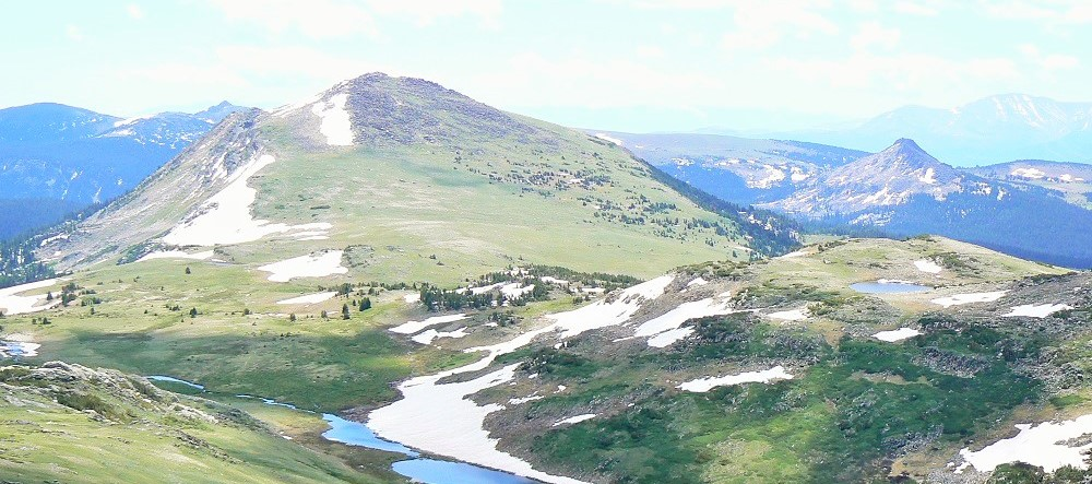 alpine-lake-beartooth-scenic-by-way