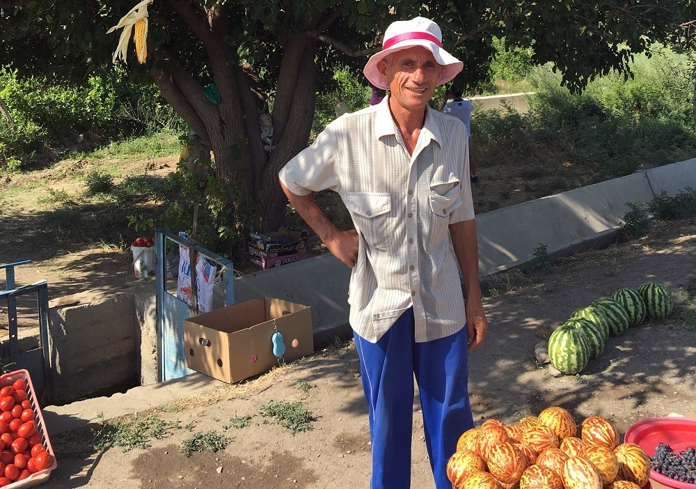 Armenia_Roadside vendor