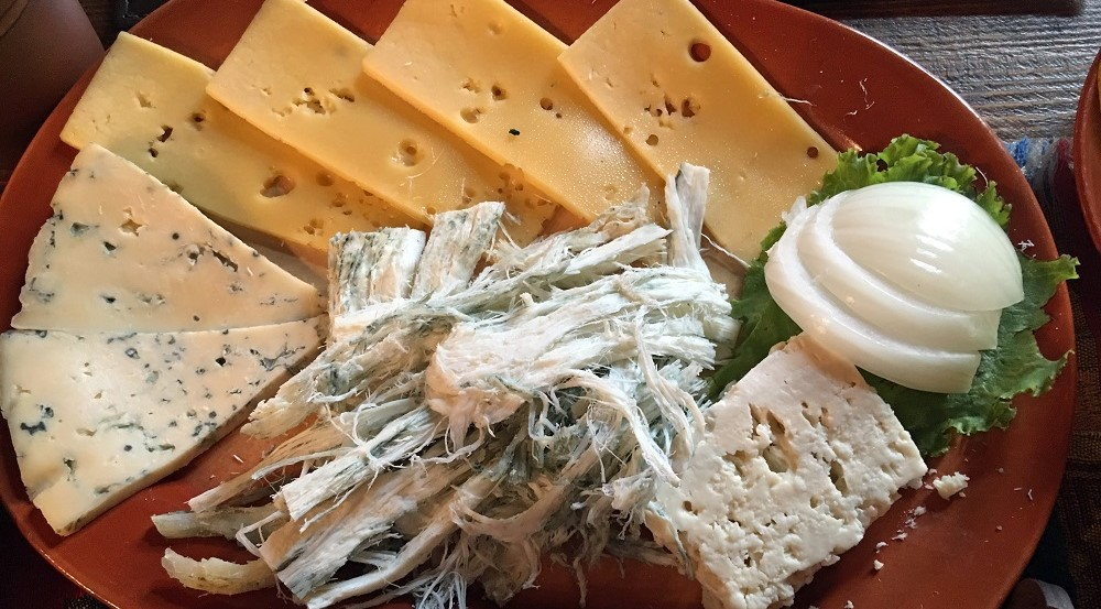 Armenia_cheeses