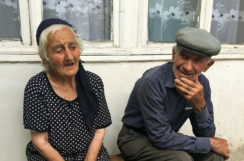 Armenia_oldcpouple