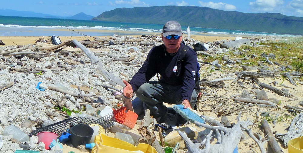 Litter at Cape Bedford - Tangaroa Blue