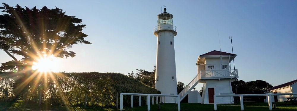 Tiritiri-Matangi-Lighthouse_Jonathan-Saunders_crop