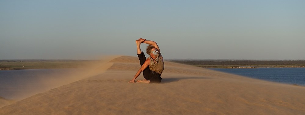 Jon_Muir_yoga in_Coorong_2016-blog
